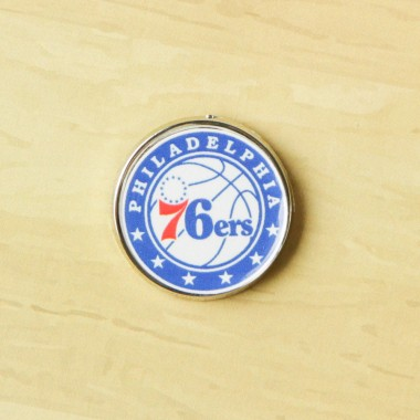 SPILLA NBA PIN BADGE PHI76E