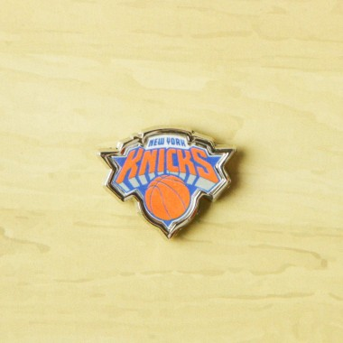 SPILLA NBA PIN BADGE NEYKNI