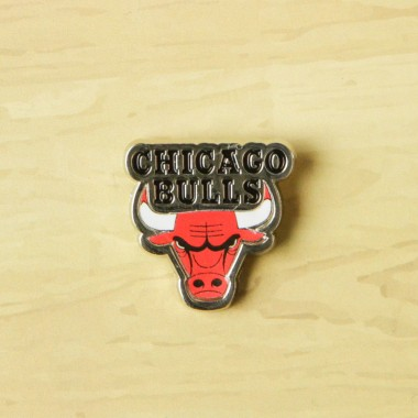 SPILLA NBA PIN BADGE CHIBUL