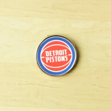 SPILLA NBA PIN BADGE DETPIS
