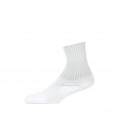low sock lady w one ankle wildcard socks