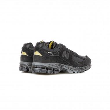 low sneaker man 2002r
