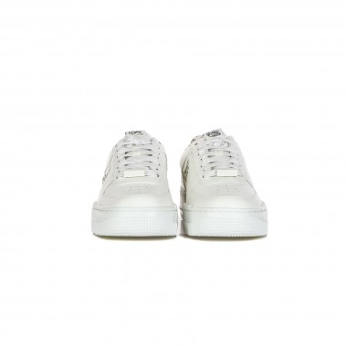 low sneaker lady w air force 1 pixel se