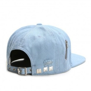 CAPPELLO STRAPBACK CAYLER  SONS CAP STRAPBACK SIDE ZIP MOTO LightDenim