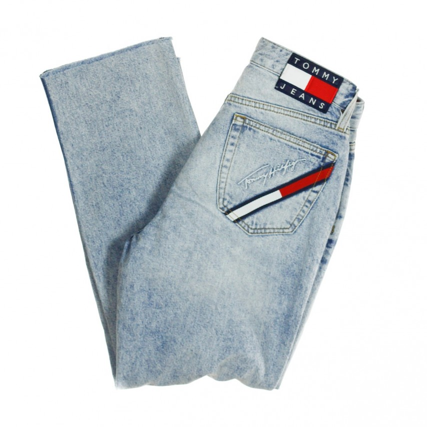 71b2bc9d JEANS TJW 90s MOM JEANS LIGHT BLUE DENIM | Atipicishop.com