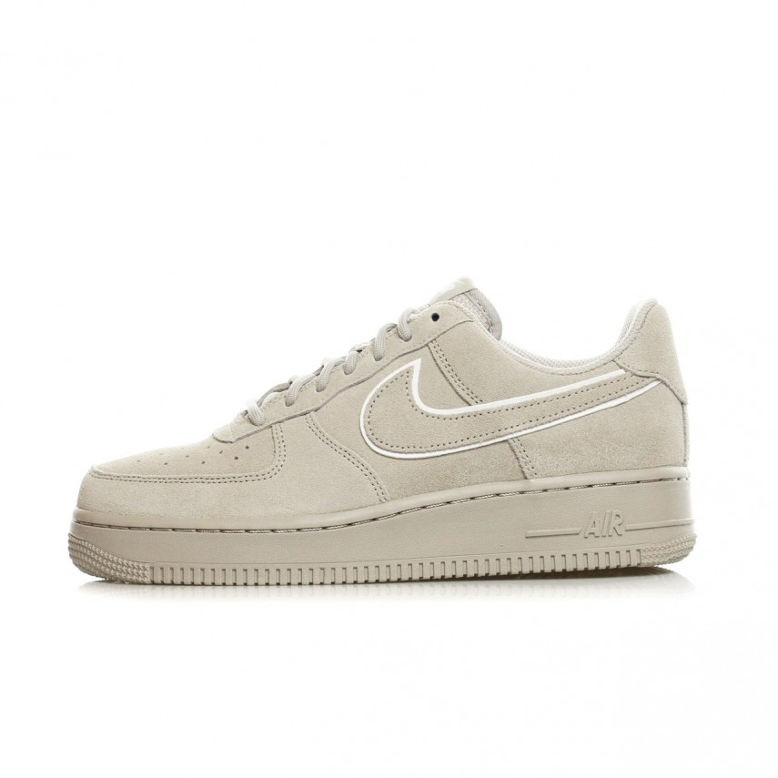 SCARPA BASSA AIR FORCE 1 07 LV8 SUEDE MOON PARTICLEMOON PARTICLE |