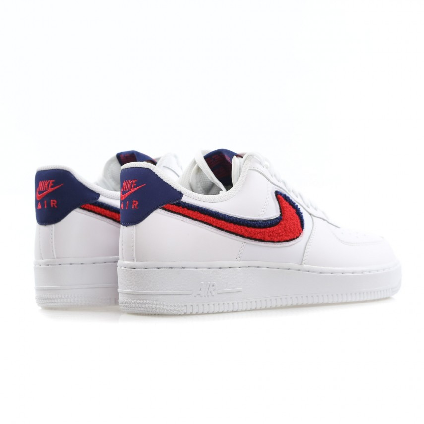 SCARPA BASSA AIR FORCE 1 07 LV8 WHITE UNIVERSITY RED BLUE VOID ... 48d5a7861