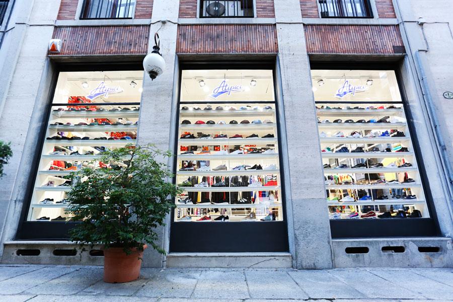ingresso-atipici-shop-novara-streetwear-sneakers