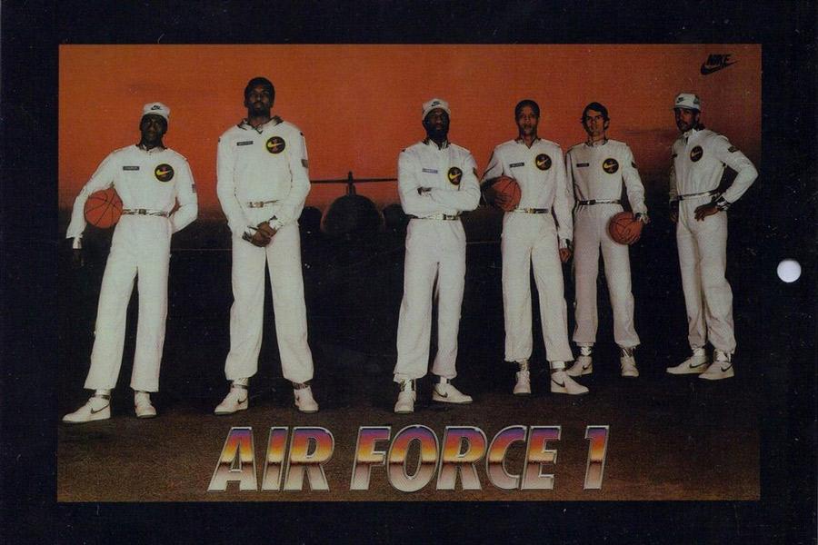 Prima campagna pubblicitaria delle Nike Air Force One con gli Original Six